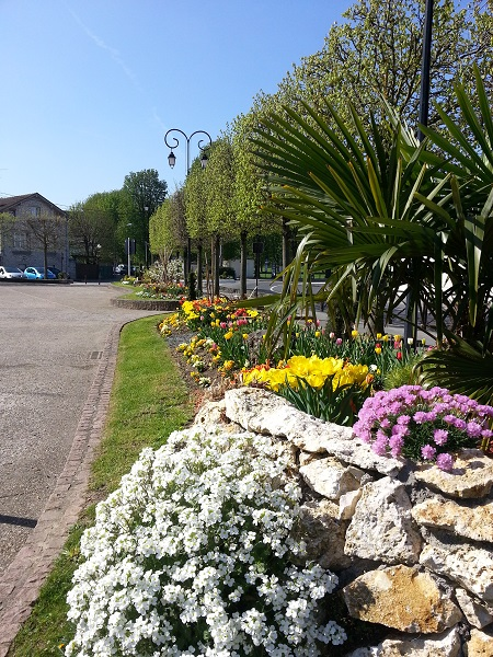 2013-04-22 Parvis Mairie Place Fleurie03